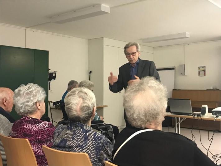 Ernst Wüthrich kennt die ganze Geschichte um den Plan Wahlen. (Bilder: Sari Wettstein)