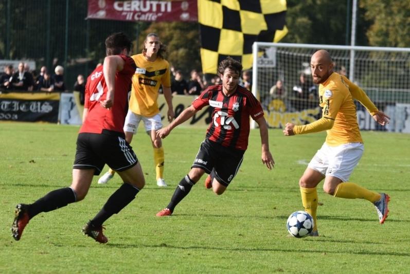Am Samstag schaltete der FC Münsingen den FC Schaffhausen aus (Bild), in der nächsten Runde trifft der FCM auf YB. (Bild: fcm-online.ch)