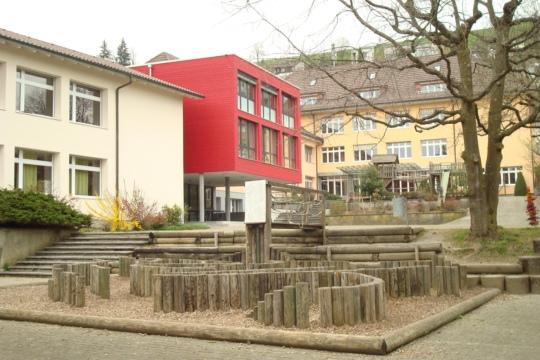 Klettergerüst Hofer : Grosshöchstetten neuer pausenplatz für 175000 franken