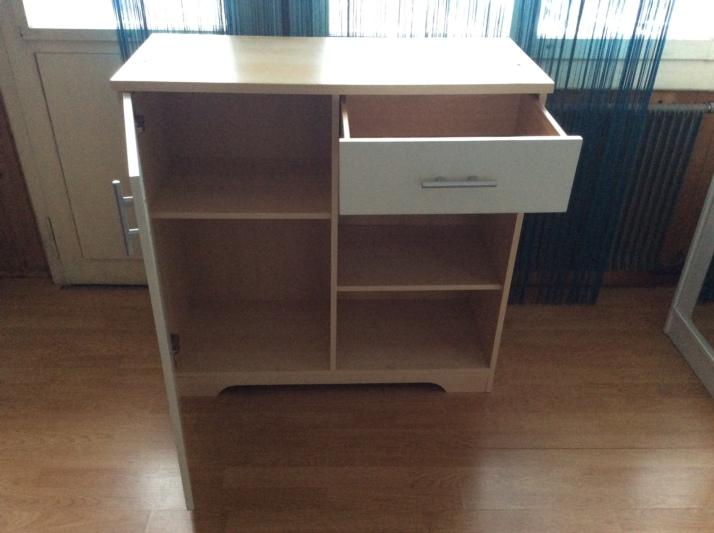 wickelkommode und kinderbett. Black Bedroom Furniture Sets. Home Design Ideas