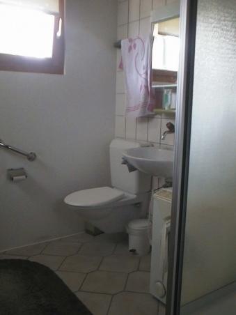 WC mit Dusche und Waschmaschine