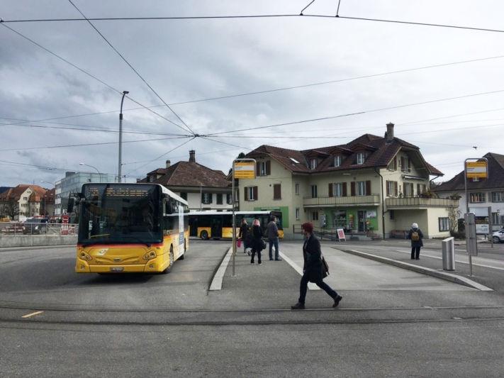 Postautohaltestation Worb. (Bild: Archiv BERN-OST)