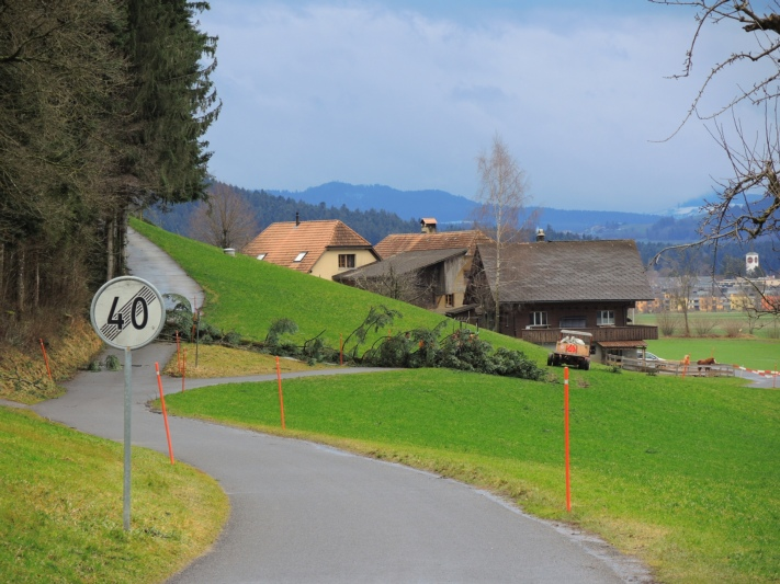 In Gmeis bei Mirchel richtete Burglinde...
