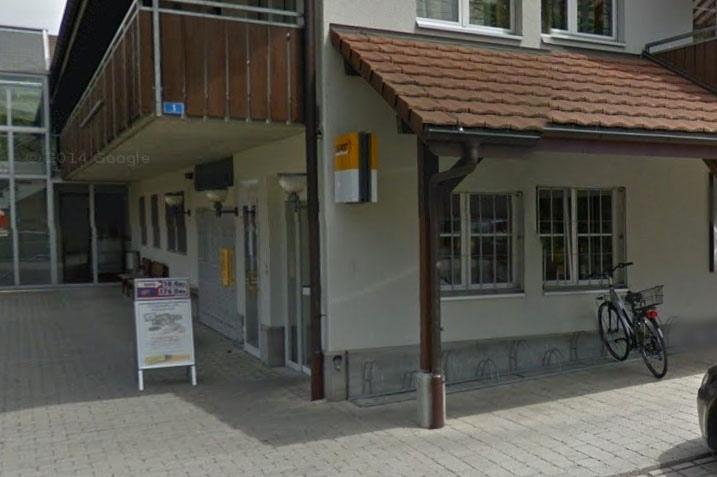 Könnte bald verschwinden: Die Poststelle in Wichtrach (Bild: Google Maps)