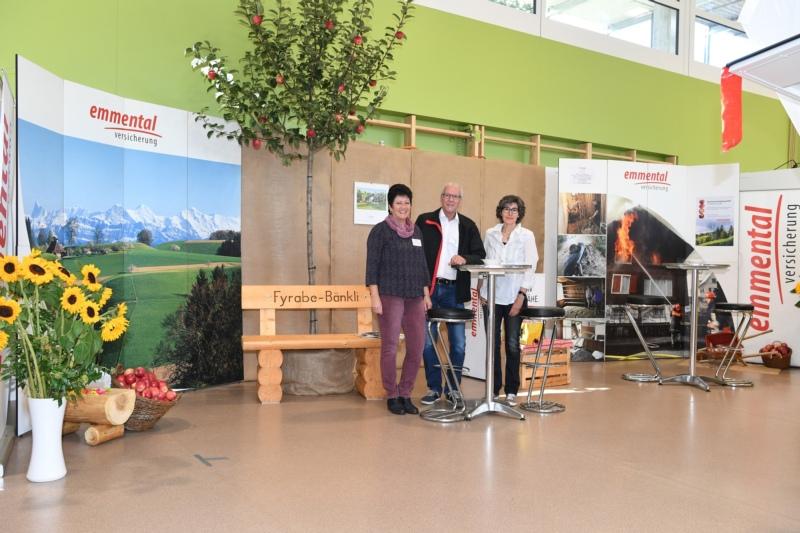 emmental Versicherung, Agentur Bowil und Zäziwil mit Elisabeth Aeschlimann, Daniel Liechti und Susanna Ramseler.
