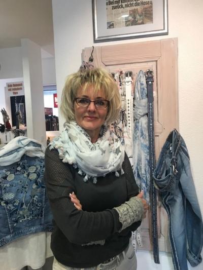 Seit 25 Jahren erfolgreich: Erika Schnyder in ihrem Geschäft. (Bild: zvg)