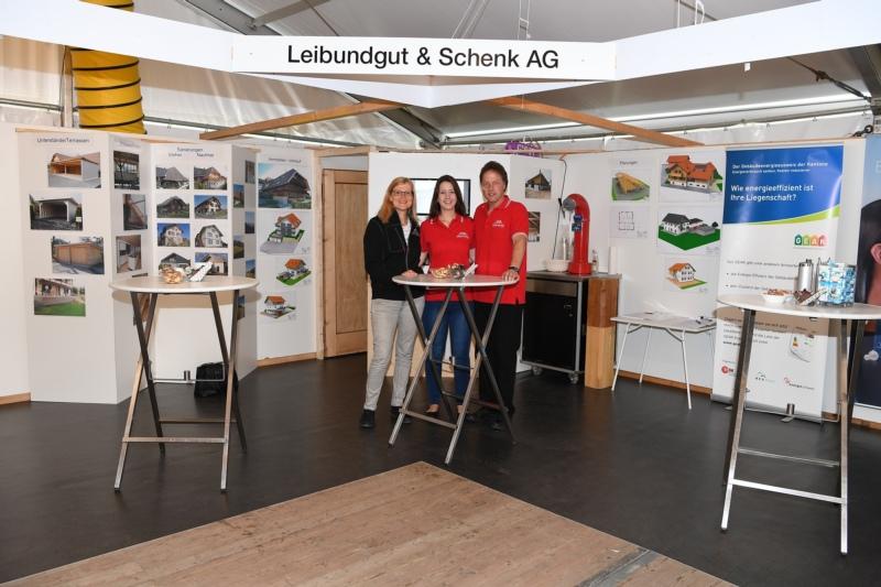 Leibundgut & Schenk AG Holzbau mit Simone Thieme, Martina und Hans Leibundgut.