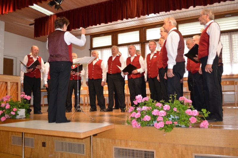 Der Männerchor Schlosswil umrahmte gesanglich den Ehrentag der CVK: 22 Sängerinnen und Sänger wurden im Oktober 2017 für 25 bis 60 aktive Singjahre geehrt!