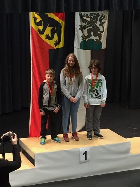 Gold in Schwarzenburg: Annika Glauser siegte am Samstag in Luftpistole 10m in der Kategorie U15. (Bild: zvg)