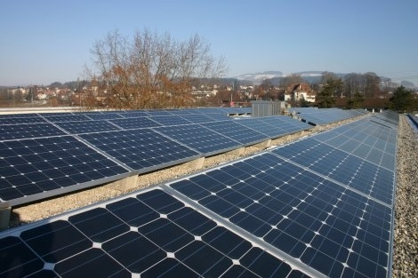 Fotovoltaikanlage Schlossmatt. 2015 stammten 1,42 Prozent des in Münsingen bezogenen Stroms aus Sonnenenergie. Laut Markus Sterchi bewegt sich der Anteil 2016 im ähnlichen Rahmen. (Bild: Münsingen.ch)