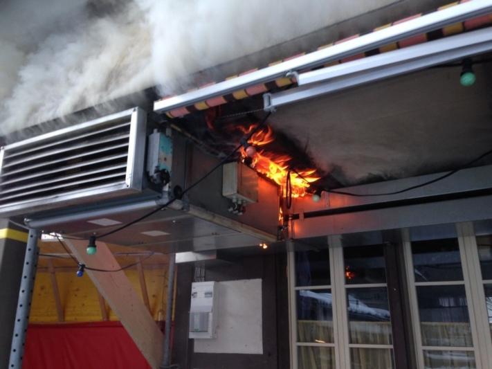 Die Lüftungsanlage in der ehemaligen Traube in Münsingen geriet am 7. Januar 2017 in Brand. (Bild: Archiv BERN-OST)