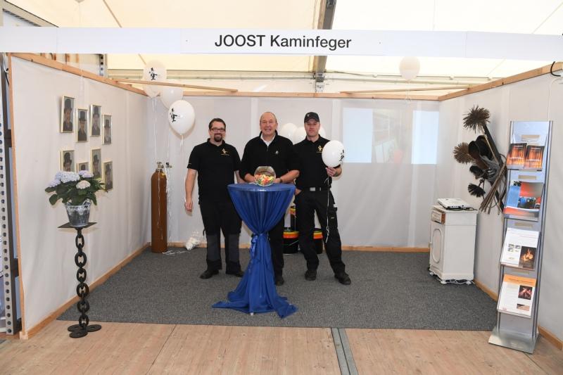 JOOST Kaminfeger mit Samuel Schnider, Joost Frist und Urs Kupferschmied.
