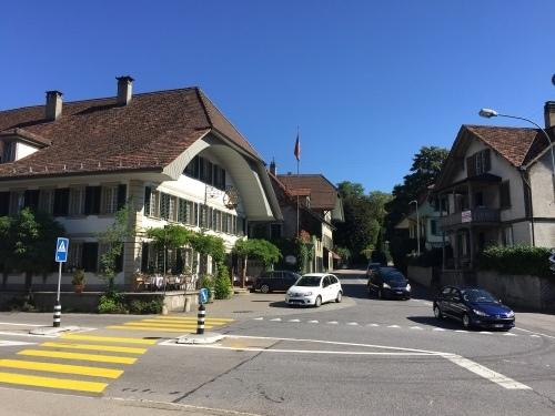 Wiedereröffnung im Herbst: Der Gasthof Löwen wird inklusive Hotelbetrieb weitergeführt. (Bild: Archiv BERN-OST)