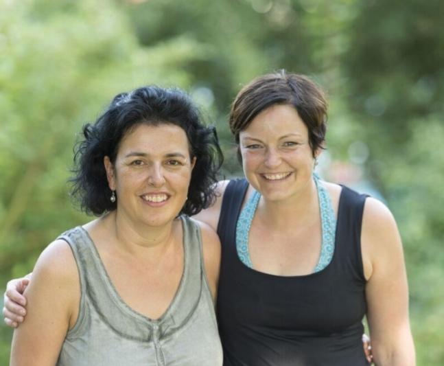 Kramerie-Mitgründerin Rebecca Steck (rechts) mit Eveline Kläy. (Bild: zvg)