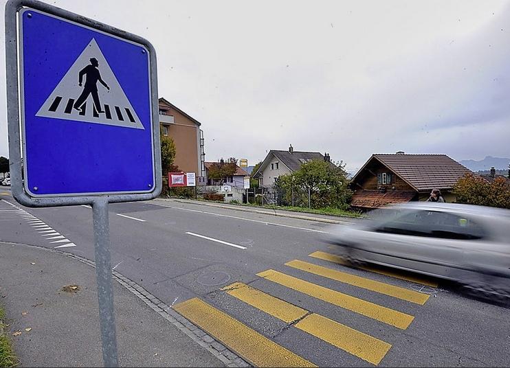 An dieser Kreuzung in Worb starb im November 2011 der zehnjährige Junge auf dem Zebrastreifen. (Bild: Walter Pfäffli)
