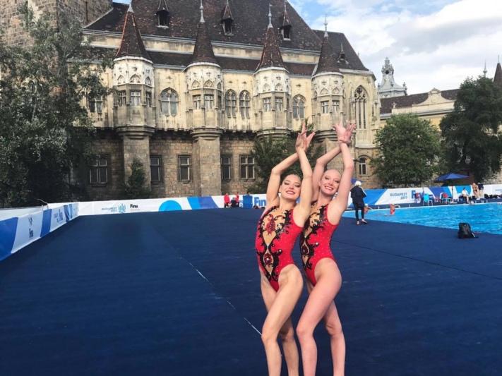 Als Schweizermeisterinnen nach Budapest: Maria Piffaretti (links) und Maxence Bellina sind mit ihrer ersten WM-Teilnahme zufrieden. (Bild: zvg)