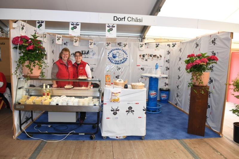 Dorf-Chäsi Oberdiessbach mit Esther Bärtschi und Christine Siegenthaler.