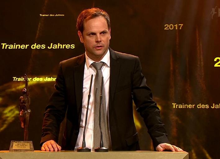 Trainer des Jahres 2017: Severin Lüthi aus Stettlen. (Bild: SRF)