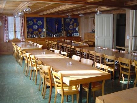 Saal 50 Personen für Sitzungen und Uebungslokal. Sowie auch noch ein  Sitzungszimmer 12 Personen im OG.