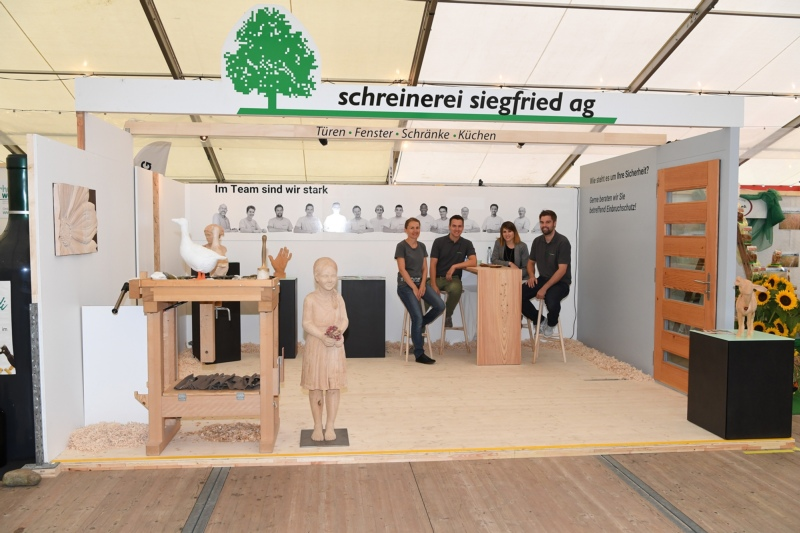 Schreinerei Siegfried AG mit Karin und Stefan Siegfried, Isabelle Wyssmann und Marco Strahm.