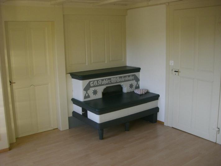 Zimmer 2 (siehe Plan) mit gemütlichem Trittofen (restauriert und funktionstüchtig)