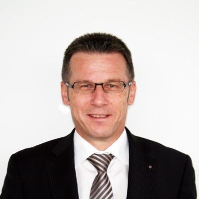 65Als Kassier zurückgetreten und jetzt Ehrenmitglied: Beat Hiltbrunner. (Bild: gvaaretal.ch) - 124