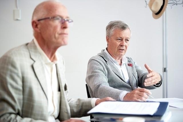 Nachbarn, aber Kontrahenten: Ueli Kobel (l.) und Renato Krähenbühl. (Foto: Adrian Moser)