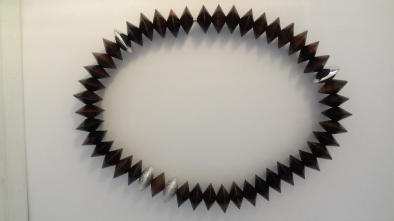 Ebenholz-Kette Linsen 20mm, mit 4 Silber 925 Linsen Glanz/Struktur, Bajonett-Verschluss, 45.5cm