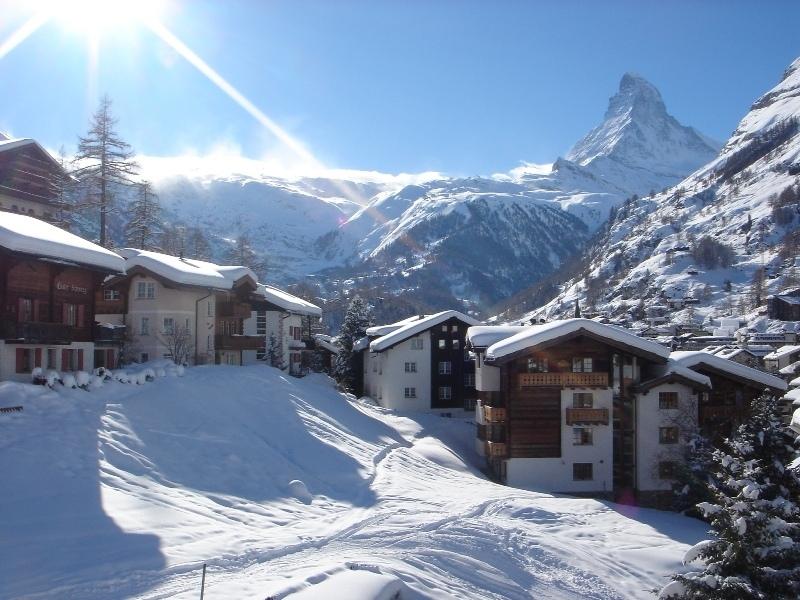 Ihre Traumaussicht auf das Matterhorn und das Zermatt Dorf