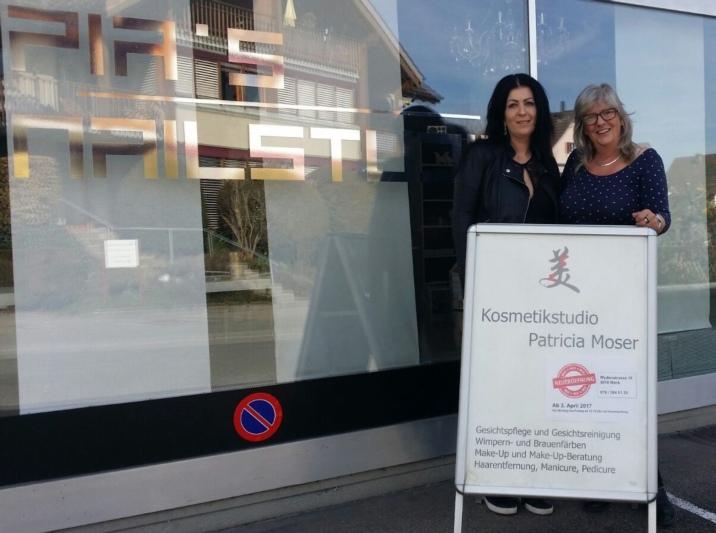 Erhält Gesellschaft: Pia Scherrer (links) teilt ihr Studio neu mit Patricia Moser. (Bild: zvg)