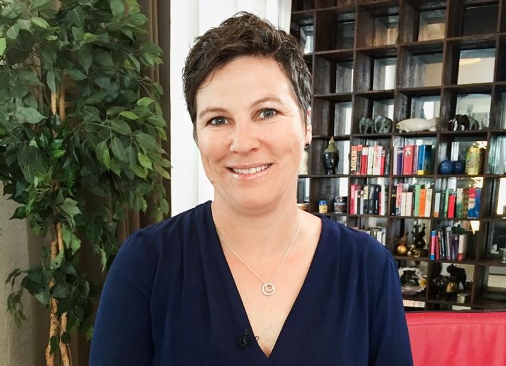 """""""Man muss überzeugt sein von dem, was man tut"""": Die zweifache Mutter Karin Jost aus Allmendingen b. Bern arbeitet 60 Prozent. (Bild: SRF)"""