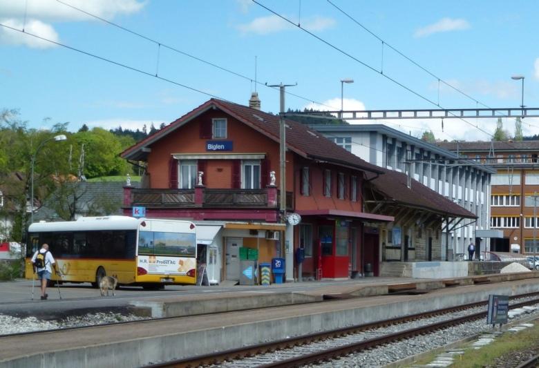 Ab Anfang April werden die Weichen und Signale beim Bahnhof Biglen zentral gesteurt. (Bild: Archiv BERN-OST / zvg)