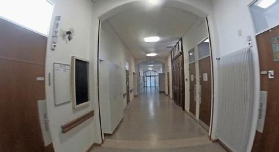 Im Tunnel: Blick in die geschlossene psychiatrische Klinik.