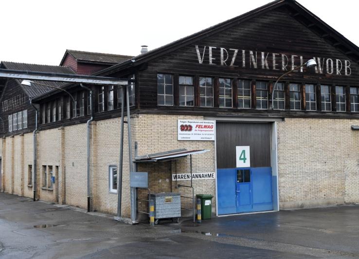 Das markante Gebäude der früheren Verzinkerei Worb. Hier ist - noch - die Felwag AG eingemietet.